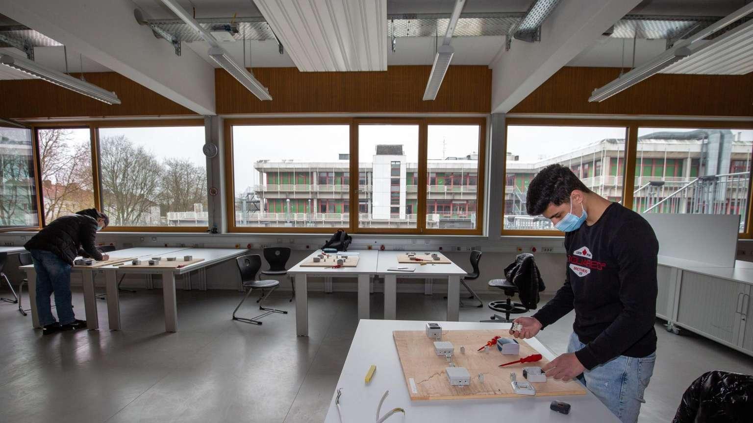 Frankfurter Rundschau – Wiesbadener Berufsschulen auf Vordermann bringen